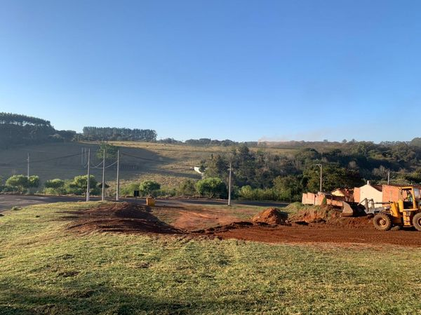 Prefeitura faz Limpeza e Manutenção no Residencial da Pedra