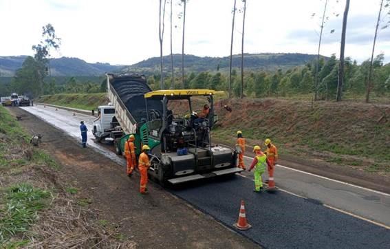 Eixo SP recupera pavimento de rodovia em Santa Maria da Serra